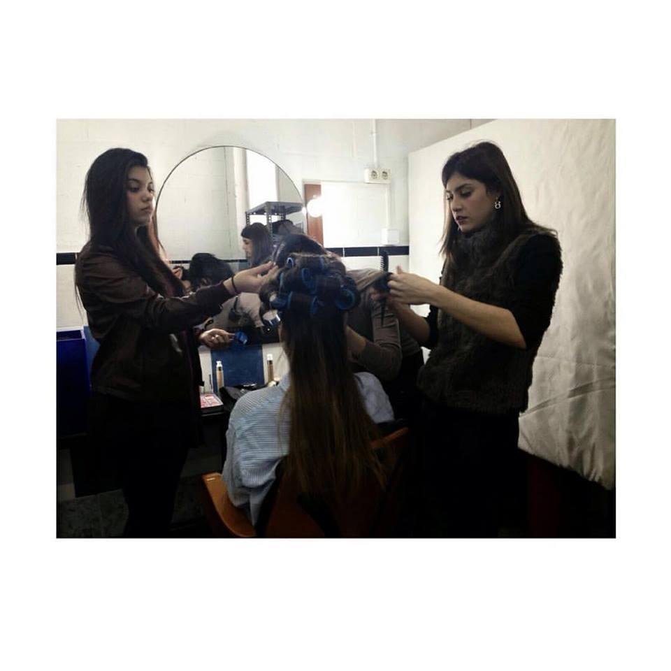 Prácticas peluquería  alumnos Balmes Image