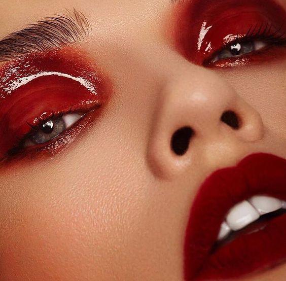 Un Maquillaje Brillante